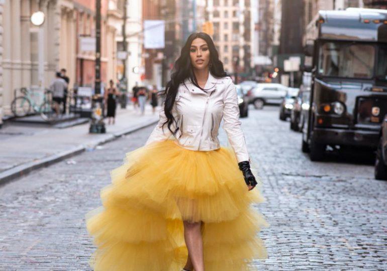 La influencer Orquídea De León lanza su tienda en línea @soylaprotasho