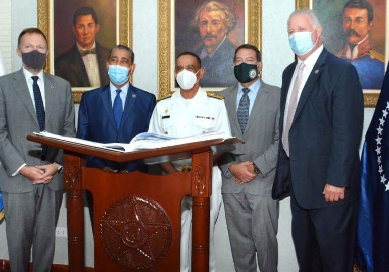 Congresistas de los EE.UU observan entrenamientos en las Fuerzas Armadas de RD