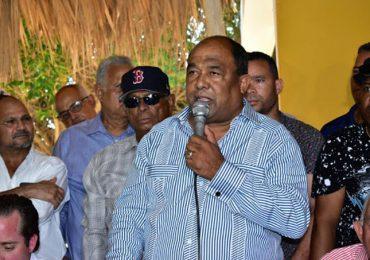Senador de Montecristi demanda maestros del PRM sean los beneficiados en Concurso de Oposición Docente