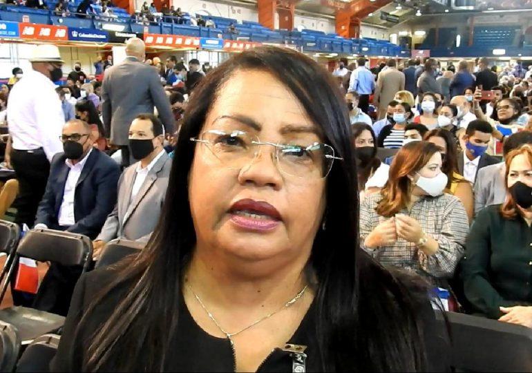 Diputada Servia Iris Familia agradece a Abinader anuncio de aprobación de sus propuestas legislativas