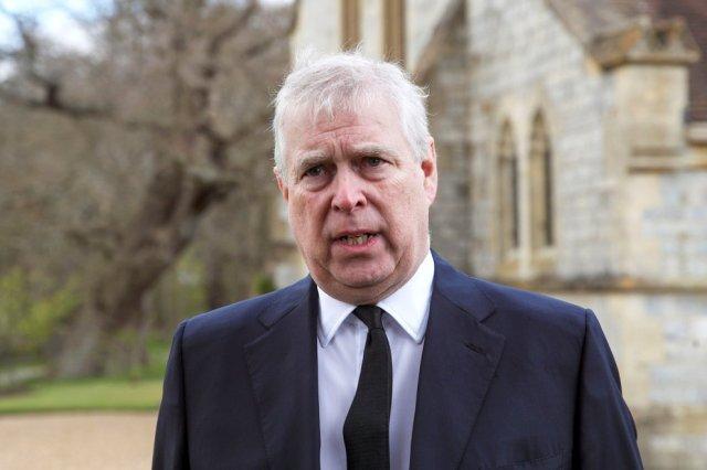 Tribunal británico acepta notificar al príncipe Andrés demanda por abuso sexual en EEUU