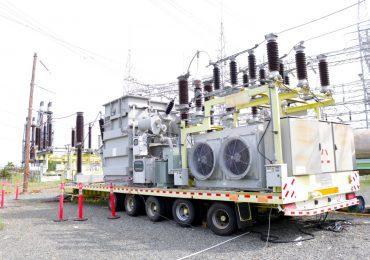 VIDEO   Trasladan transformador desde Palamara hacia Nagua para mejorar suministro eléctrico