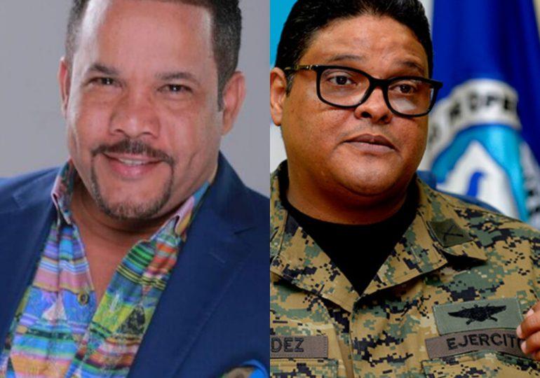 """Director del COE dice perdonará comentario de """"El Torito"""" si cantan a dúo"""