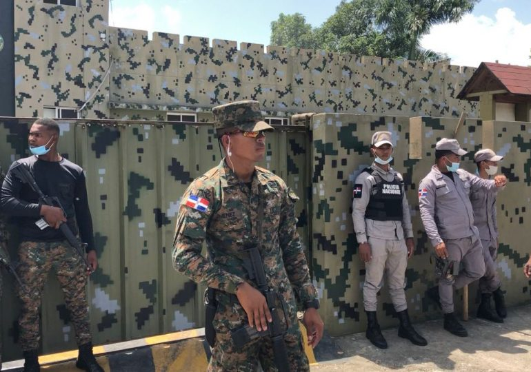 Más de 15 internos heridos tras incendio, en cárcel pública de Cotuí