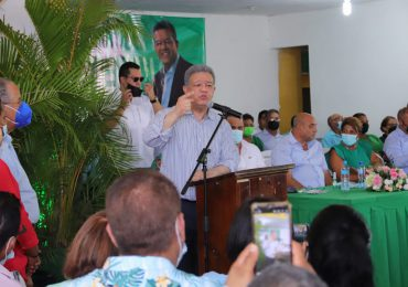 Amarilis Santana, exsenadora de La Romana se juramenta en la Fuerza del Pueblo