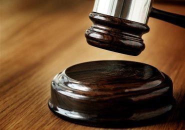Suprema establece negocios no pueden cobrar propina si consumo no ocurrió en establecimientos
