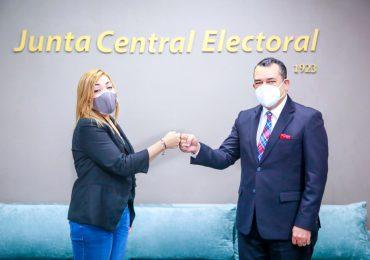Román Jáquez recibe visita de la presidenta del Consejo Nacional Electoral de Honduras