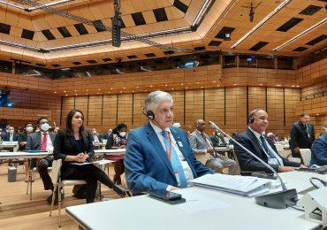 Eduardo Estrella propone reducción de un 25% de la deuda externa a países latinoamericanos que vacunen el 70% de su población