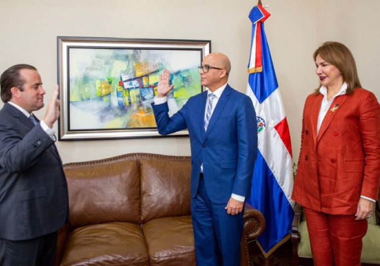 Paliza juramenta a Homero Figueroa como director de estrategia y comunicación gubernamental