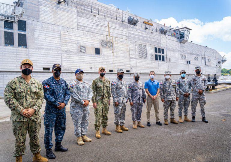 Buque de combate USNS Burlington realiza ejercicios y operaciones conjuntas entre EE.UU. y RD