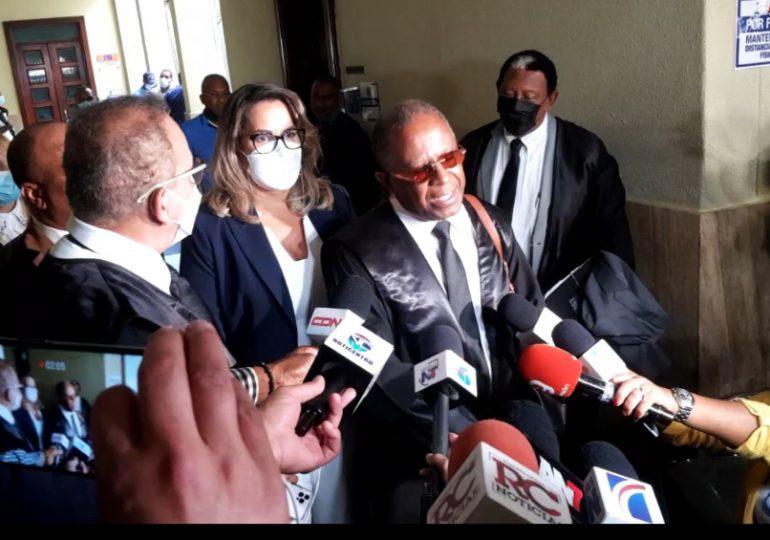 Allegados a Juan Encarnación insultan al abogado Cándido Simón en los pasillos de la Fiscalía