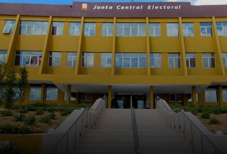JCE asegura cifra de muertes por Covid-19 asciende a 8,656 y Salud Pública solo registra 4,014