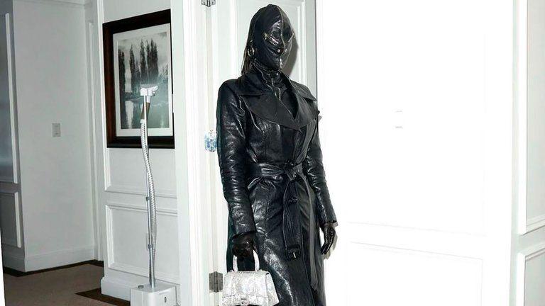 """Kim Kardashian sorprendió con un """"look dominatrix"""" en Nueva York"""