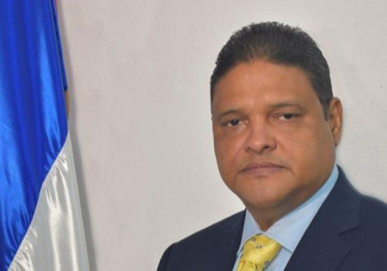 Director del COE declina invitación de El Torito para cantar juntos