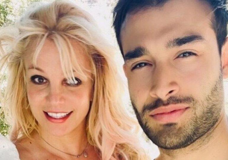 Piden a prometido de Britney Spears firmar acuerdo prenupcial, este responde de manera irónica