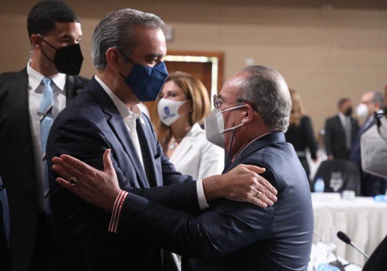 """VIDEO   """"PRM está como la vaca de Nena, en vez de leche da pena"""" en tema del narcotráfico dice Mariotti"""