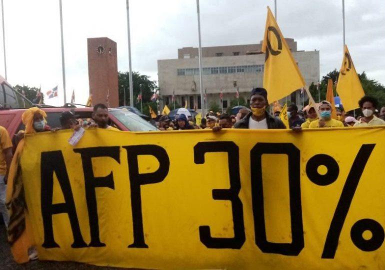 Analizarán viabilidad de entrega del 30% de los fondos de pensiones a los trabajadores