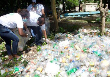 Indotel participa en jornada de limpieza de playas y riberas de ríos en SPM
