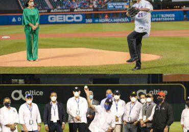 Presidente Abinader lanza primera bola en partido de Filis y Mets
