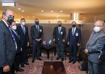 Presidente Luis Abinader se reúne con mandatarios de Guatemala y Ecuador