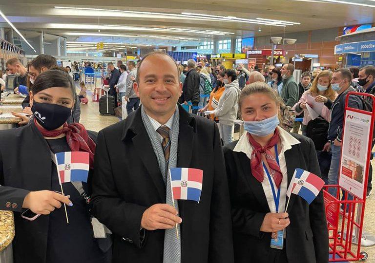 Despega desde Moscú vuelo a Samaná con 440 turistas rusos
