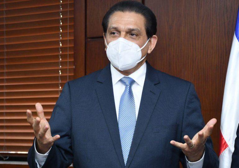 Ministro de Salud dice 40% población es hipertensa y no sabe: Advierte riesgo de no vacunarse