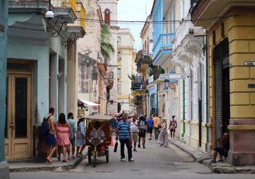 Cuba reabrirá completamente al turismo en noviembre