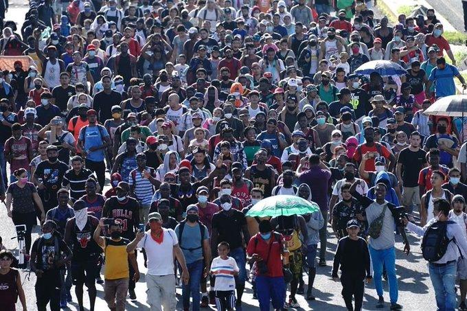 Cuarta caravana migrante parte desde la frontera sur de México