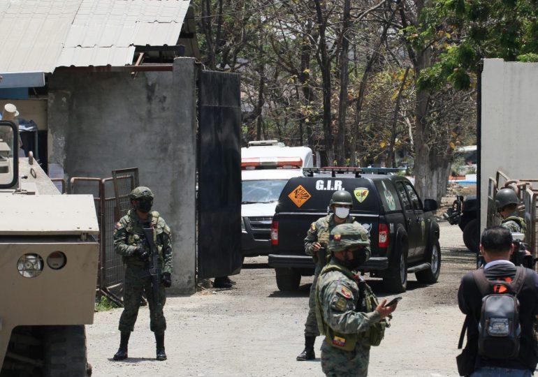 Muertos en motín carcelario en Ecuador suben a más de 100
