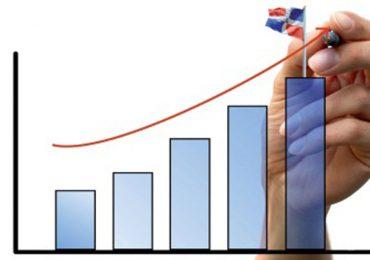 """Ministerio de Economía proyecta crecimiento del PIB para este año de un 10%; publica """"Panorama Macroeconómico 2021-2025"""""""