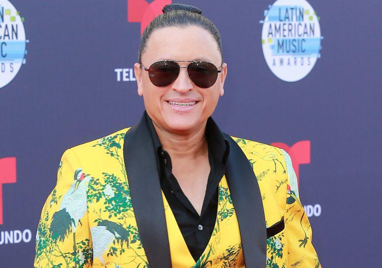 """Elvis Crespo lanza una nueva versión en bachata y dance de """"La Foto Se Me Borró"""""""