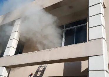 Controlan incendio registrado en el Palacio de Justicia de Monseñor Nouel