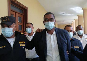 Dictan tres meses de prisión preventiva a expelotero Juan Encarnación, acusado de incesto