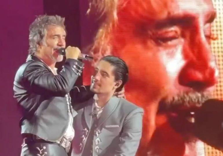 El llanto triste de Alejandro Fernández al dedicarle canción a Vicente en concierto