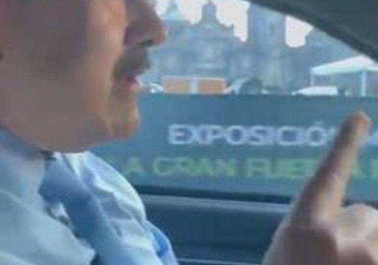 Maduro asiste a cumbre de la Celac; conduce el vehículo que lo lleva al Palacio Nacional de México