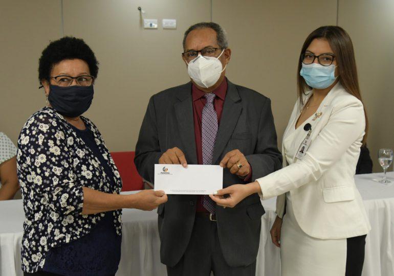 INABIMA entrega RD$1,012 millones a maestros jubilados y pensionados
