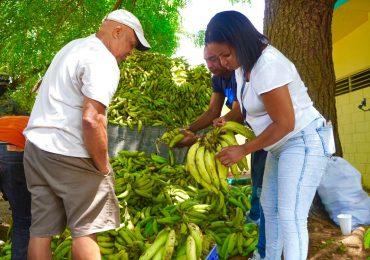 Inespre vende plátanos a 1 peso
