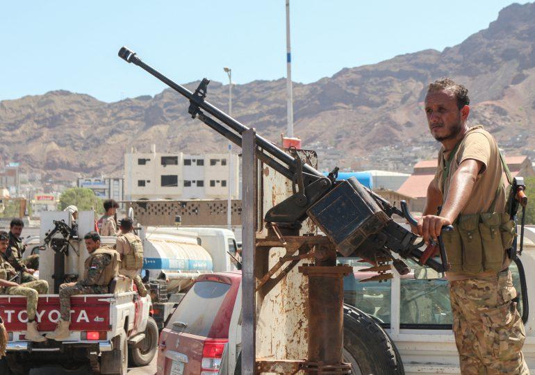 Al menos seis muertos en atentado en Yemen contra un convoy oficial