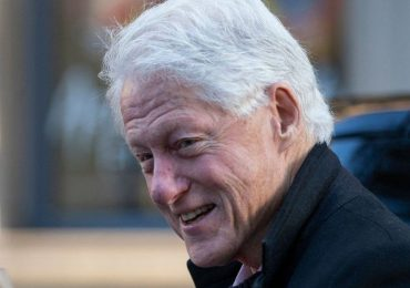 Bill Clinton pasará otra noche hospitalizado mientras se recupera de una infección