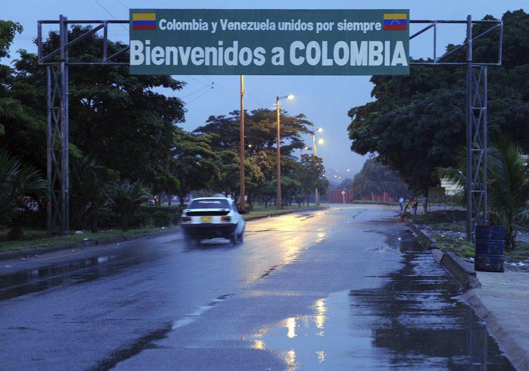 """Venezuela decide """"pasar la página"""" y reabrir frontera con Colombia"""