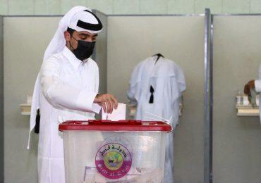 Los ciudadanos de Catar acuden a las urnas en unas elecciones inéditas