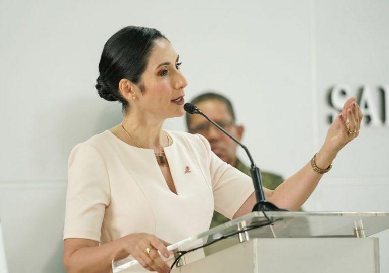 Raquel Arbaje exhorta a los dominicanos inocularse la tercera dosis anticovid