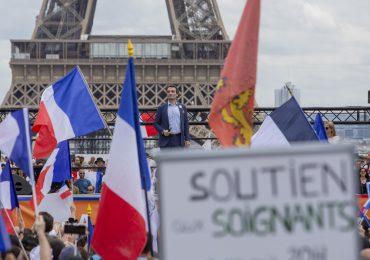 Senado de Francia rechaza propuesta de ley de vacunación obligatoria contra COVID-19