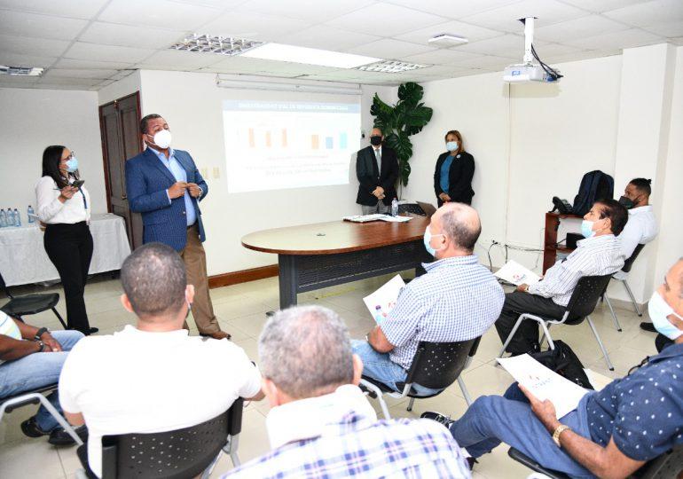 INTRANT anuncia proceso de acreditación escuelas de choferes a nivel nacional