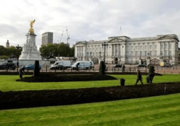La salud de Isabel II suscita dudas tras su breve hospitalización