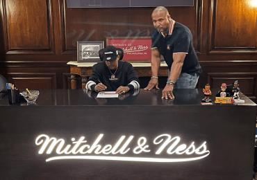Bulova Family firma millonario contrato con Mitchell Ness