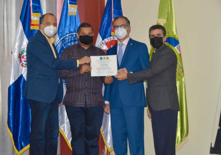 """TSE y UASD entregan certificados diplomado """"Marco Legal del Sistema Electoral Dominicano"""""""