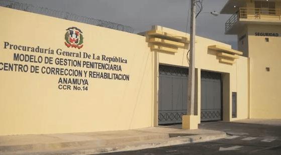 Un preso muerto y dos heridos durante riña en recinto penitenciario de Higüey