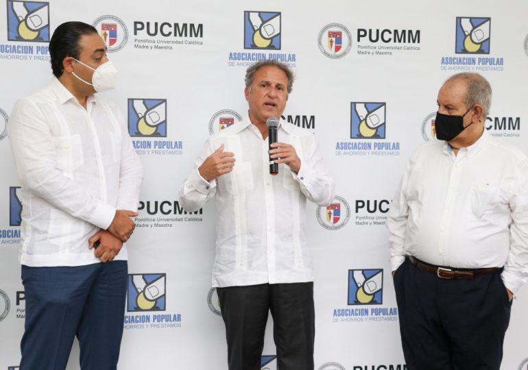 APAP y PUCMM se unen a favor de la sostenibilidad ambiental