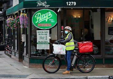 Las aplicaciones de entregas de comida, antes salvadoras, ahora bajo fuego en EEUU